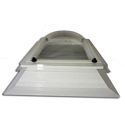 Lichtkuppel nicht öffenbar (mit Aufsatzkranz, ohne Öffnungs-Rahmen)